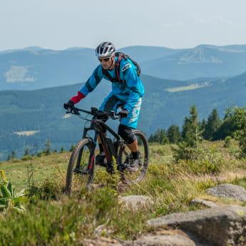 Randonnée à vélo en montagne